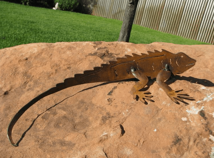 Iguana welding art
